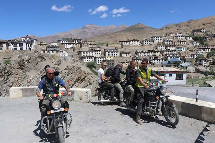 group bike tour in spiti valley